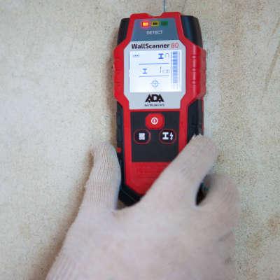 Детектор проводки ADA Wall Scanner 80 А00466